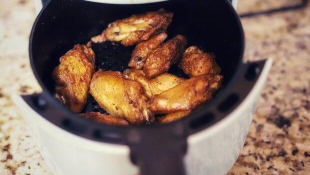 你的「氣炸鍋」鍋內塗層是鐵氟龍還是陶瓷?食科系教授:想安全使用,先搞清楚4大原則