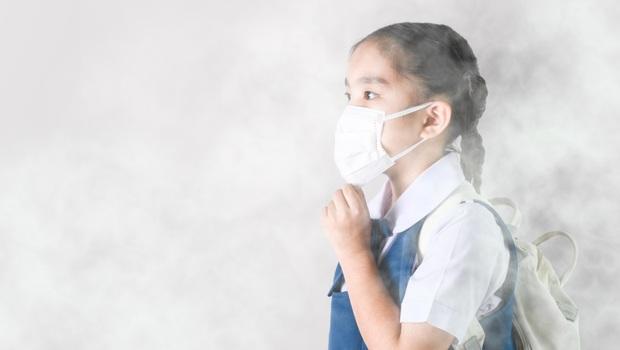 戴外科口罩,竟只能擋掉一半PM2.5!胸腔科醫師蘇一峰自己都做「這6招」,對抗致命空汙