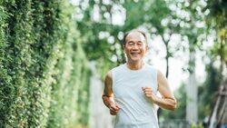 80多歲爸爸罹患「帕金森氏症」,慈濟醫院院長如何讓小便失禁、行動不便的爸爸重新找回自尊?