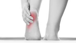 足底筋膜炎都不會好?你的腳可能得了「隧道症候群」!醫師:3種「腳跟痛」,先搞清楚自己是哪種