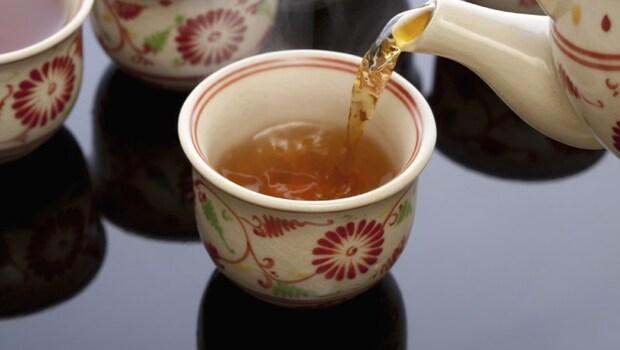 綠茶、烏龍茶、普洱茶,早中晚該喝什麼茶?中醫師一天「三杯茶」的私房養生法!