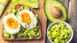 減肥神物「酪梨」,吃0.5顆就降低4成食慾!營養師公開「CP值最高」吃法:這樣吃,營養竟可多達12倍