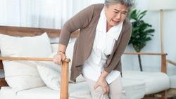 膝蓋痛,光吃「維骨力」為什麼沒有效?營養師提醒「肌力不足」是關鍵:5種運動改善骨密度