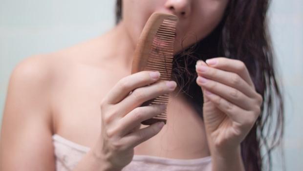 免疫力差,年輕人也會禿!日本皮膚科醫生:用黃豆粉洗頭幫助生髮
