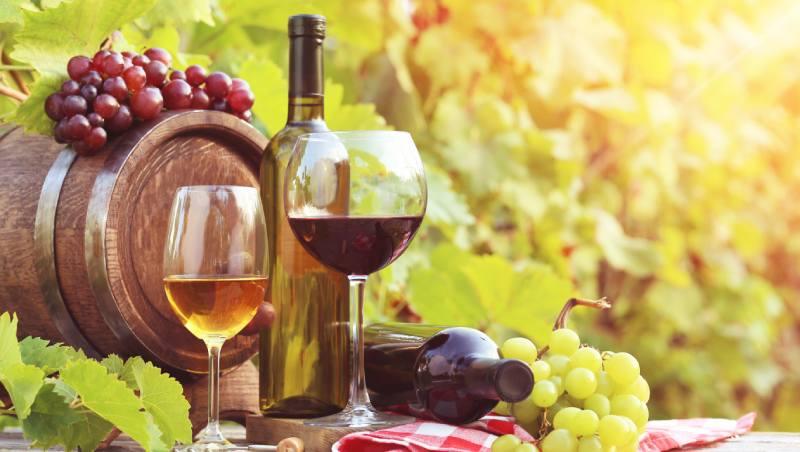 紅、白酒要挑時間喝?日本酒類研究教授:餐前喝白酒殺菌、整腸、利排便