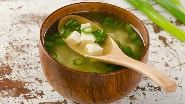 糖尿病患者罹患失智症風險高!味噌湯、雞胸肉,這幾種食物防癡呆