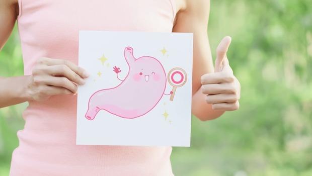 用面膜,不如顧腸胃!70%老化由腸起,中醫師:飯菜肉在「這時」吃,更利消化