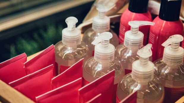 玫瑰洗髮精好香,竟恐含塑化劑!台大化工博士:看懂2認證,避免洗出環境荷爾蒙