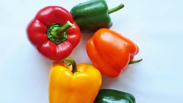 青椒和甜椒一樣嗎?「這顏色」等於1天的維生素C含量,還助脂肪燃燒、消疲勞
