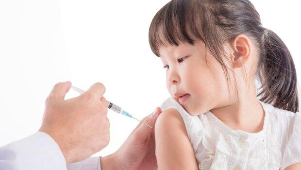 一週超過10萬人次因流感就醫!但「B型流感」疫苗竟0%吻合...台大醫師:B流恐釀流行