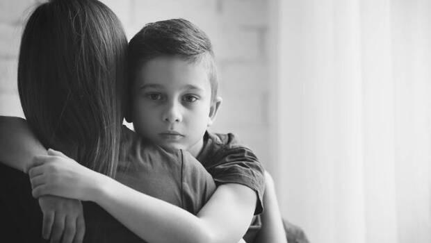 「X,為什麼養個孩子要這麼苦?」三寶爸親職專家:教養不必糾結於最理想方式,放過自己,也放心讓孩子飛