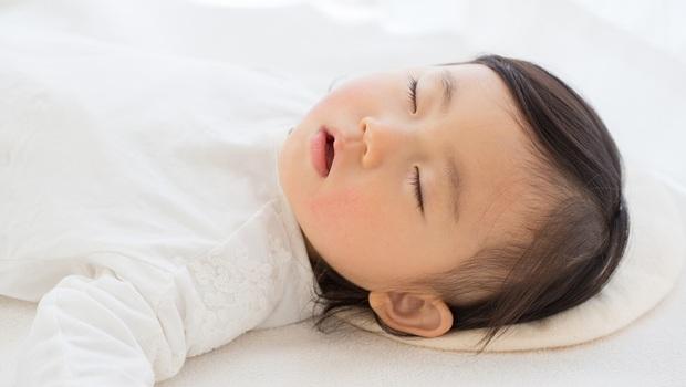 孩子睡覺時,張口呼吸又打鼾,竟會暴牙?