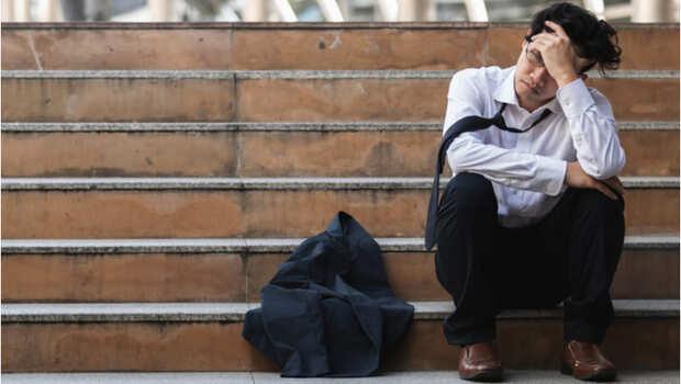 職場上該聽老闆,還是堅持己見?名醫王浩威:年輕時沒察覺的自戀,讓我失去了機會
