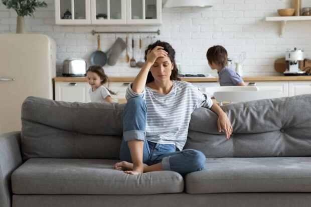 允許自己當個「不及格的媽媽、翹班的爸爸」......日本人氣心理諮商師要你:停止在關係中習慣性自責
