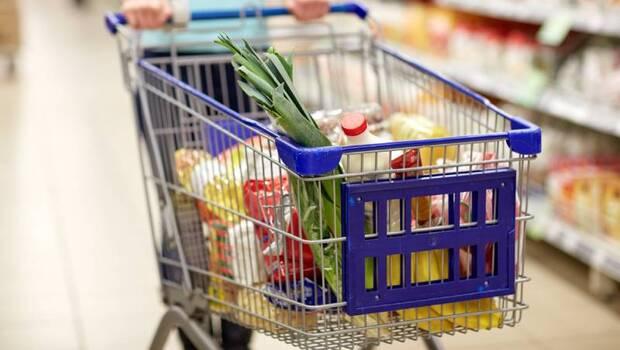 你買的食物沒有戴口罩!病毒會透過「食品包裝」傳染嗎?英國飲食協會建議:進食前注意這4步