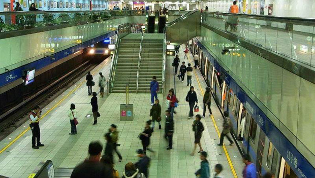 武漢肺炎》交通部:搭大眾運輸未戴口罩,緊急時場站提供