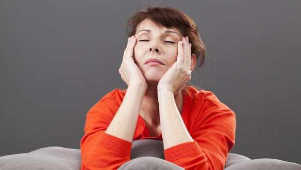 媽媽必看》「更年期」竟恐讓妳視聽力惡化!醫師親授:3招這樣動,還可以預防骨質疏鬆