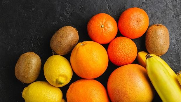 夏天吃水果,「腎不好」小心吃到頭暈、心律不整!腎臟科醫師點名:10種高風險的夏季水果
