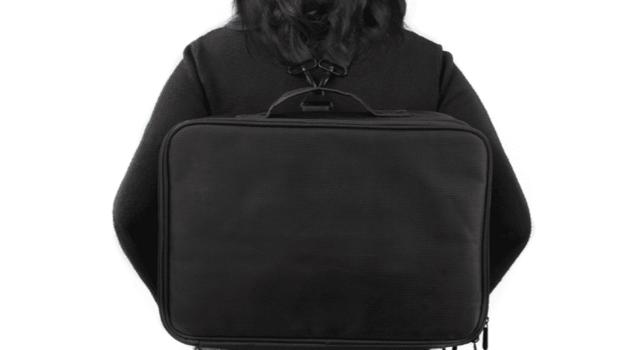 有影片》背包「單肩」、「雙肩」學問大!美脊醫博士警告:超過這重量,下背痛找上你