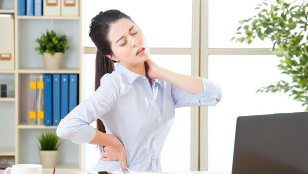 減肥小心減出「骨質疏鬆」!不只是鈣不夠,4個你沒想過的「骨鬆兇手」