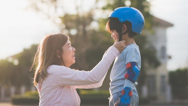 擊垮「中年老母」們真的很難!低血糖暈倒也要為孩子報名...其實不是來自母愛,而是「沒想清楚」