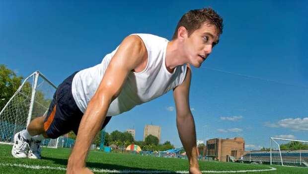 有圖解》為什麼「伏地挺身」也可以抗老?健身教練告訴你:「7種常見運動」其實要這樣做才有效