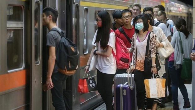 武漢肺炎》雙鐵端午連假不賣站票自由座!擬加開班次提高運能