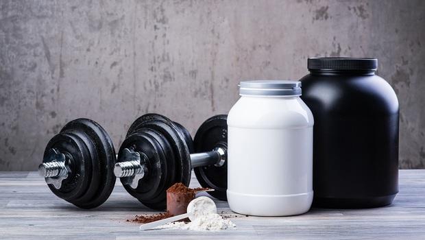 增肌吃「高蛋白粉」更有效?還可以助減肥?怎麼吃最有效,破解「4大迷思」看這篇就夠