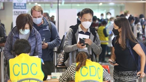 武漢肺炎》短期商務客入境22日實施!居家檢疫有條件縮短