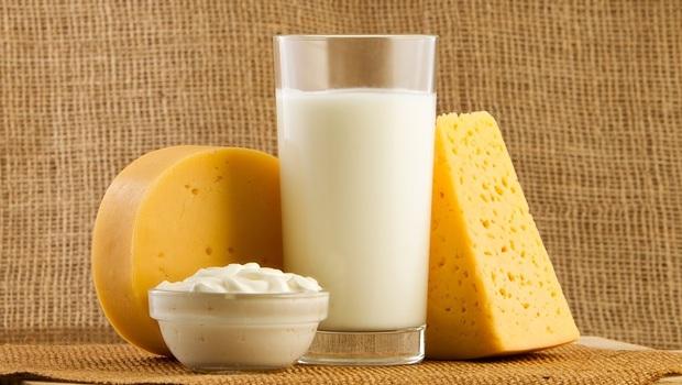 哈佛博士揭開「牛奶」真相:「乳製品」竟會提高癌症風險!