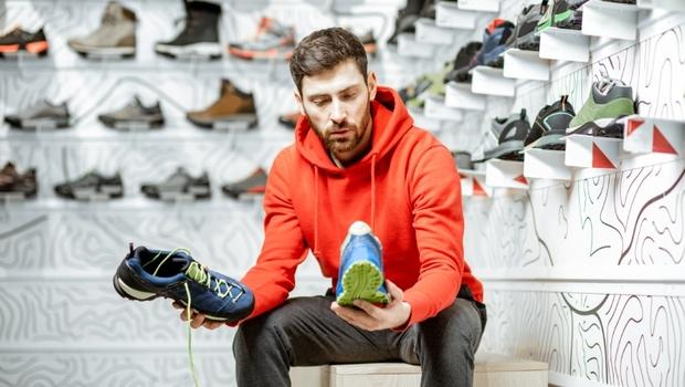 「跑鞋」沒選對,讓你的膝蓋跟屁股痛!換鞋時機、適合材質...用4關鍵挑出最適合的鞋