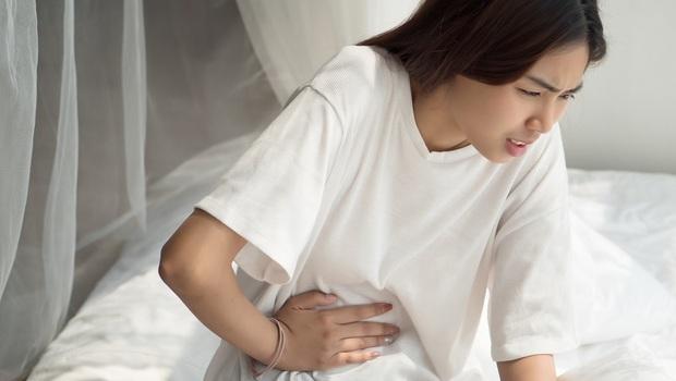 以為是肌肉拉傷,竟是「十二指腸癌」!賈伯斯、蕭淑慎都罹患...醫師:出現「這8大症狀」千萬要當心