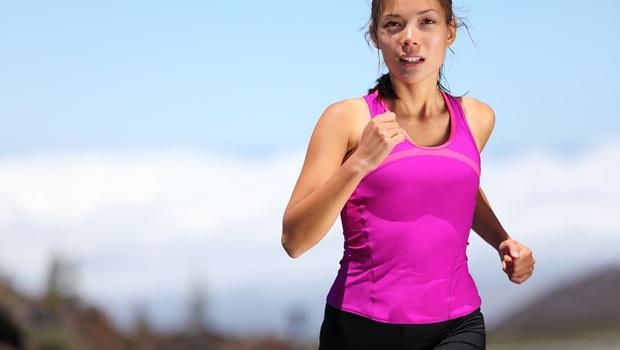 排除身體「濕氣」,中醫師認證:運動、按摩、泡腳、刮痧通通有效!做錯小心反傷身,醫師教你「正確排濕法」