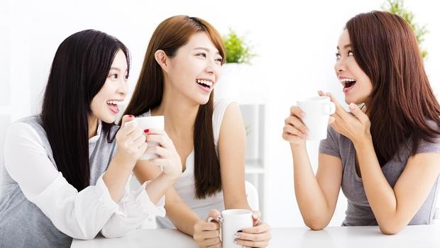 「我沒那麼好啦~」台灣人最會的「謙虛」會毀了你的職場和家庭!心理學家教你「自動吸引人」說話術