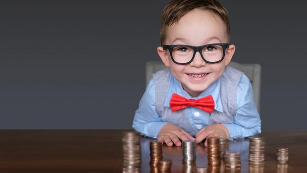 給8歲小孩2千零用金,為何能讓他更珍惜上課時間?日本教育專家:用「一張表」建立從小就該知道的金錢觀