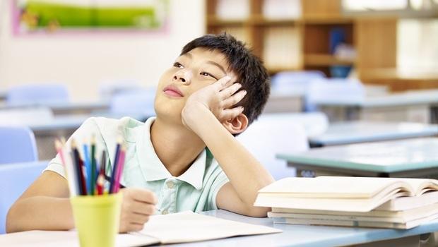總是坐不住、不專心...我的孩子有「過動症」嗎?小心「這3症狀」是ADHD警訊!