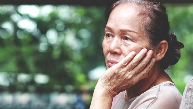 「我造了什麼孽,這輩子這麼不幸啊?」張曼娟:老一輩愛抱怨,其實是在「博取同情」