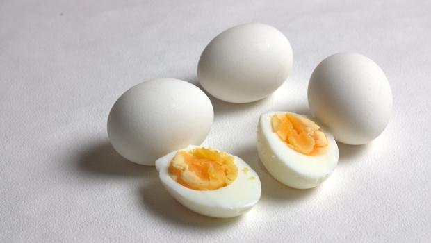 蛋白好還是蛋黃好?一天能吃幾顆?原來雞蛋要「這樣吃」,才能吸收到蛋白質且最營養