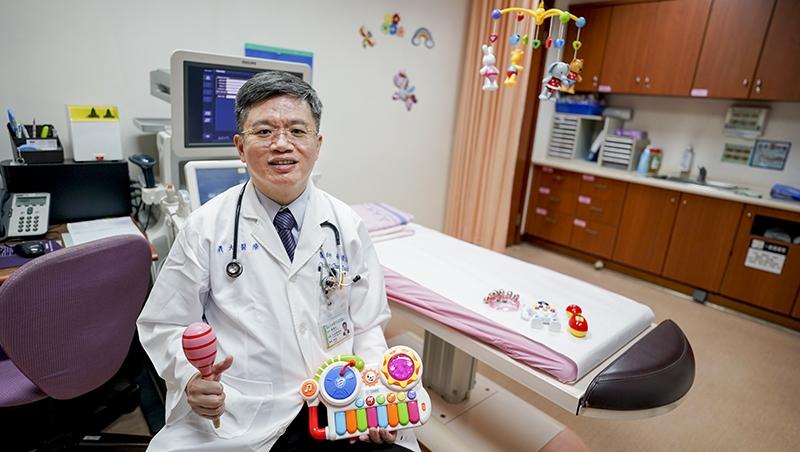 孩子肚子痛要不要看醫生?義大兒醫蔡璟忠教你:用「這3招」判斷嚴重性