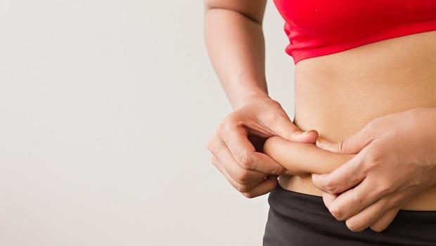 「胖千萬別胖肚子!」內臟脂肪加速全身發炎...醫師「瘦身黃金7原則」:早餐絕對別吃水果!