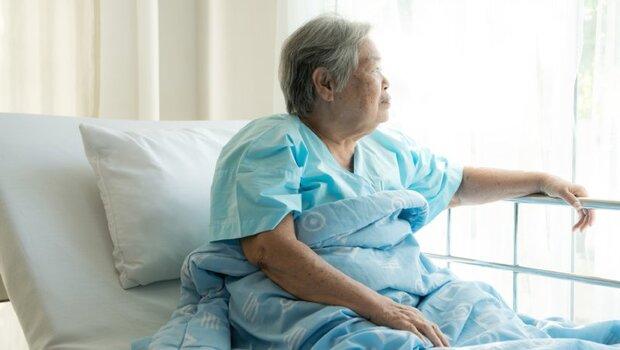 如何讓親人沒有遺憾地走?專家解析「3種照護方式」:安寧病房、安寧共照、居家安寧...你必須知道的6個問題