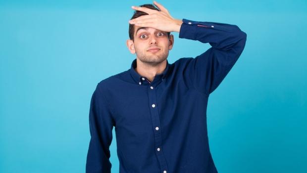 50歲後大腦開始萎縮! 小心「這4種習慣」加速腦容量變小,專家教你:大腦凍齡3大秘招
