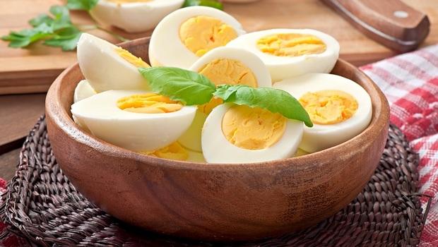 大家都說「蛋」不會讓膽固醇過高,卻沒告訴你吃多竟有糖尿病、心臟衰竭風險!醫學教授曝:一週吃●顆蛋以內最好