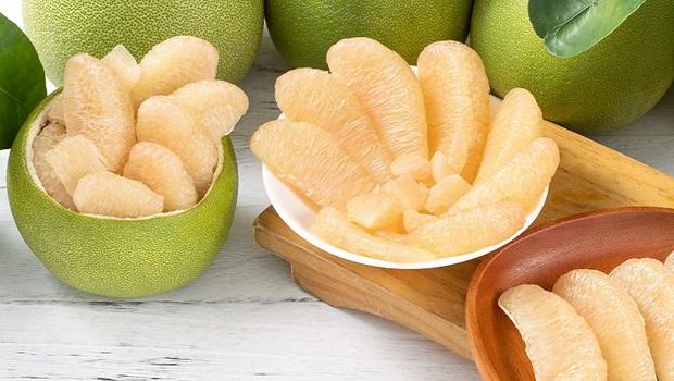 中秋吃柚》原來「重」比「大」還重要!專家教你:3方法挑出果實飽滿的柚子