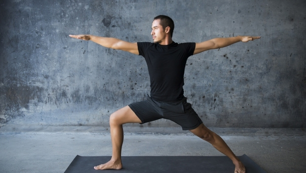 靠自己的重量瘦下來,一張瑜珈墊就搞定!紐約健身專家的「增肌減脂菜單」:15招臀腿動作+3組訓練計劃一次收藏