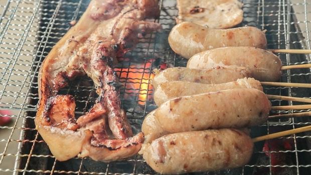 「烤肉」雞肉沒有剝皮烤、香腸海鮮一起吃...讓你「中秋烤毒吃」!毒物專家顏宗海點名:「毒」藏在這些你沒看到的地方