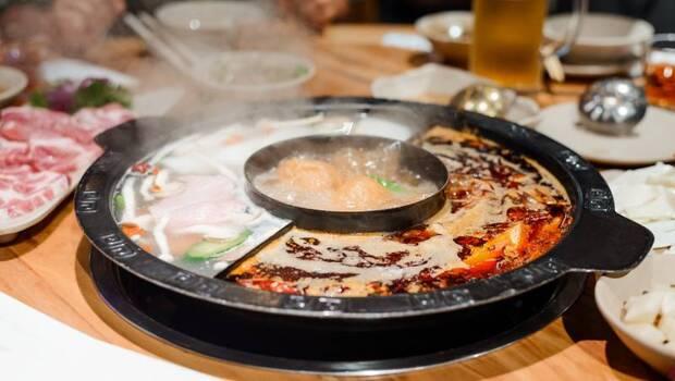 火鍋地雷大公開:蘿蔔、芙蓉豆腐竟然都上榜!蝦子膽固醇比豬肉、牛肉低?這些你不知道的「火鍋6大真相」