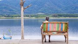 「孤獨死」真的很悲慘嗎?一位65歲日本奶奶之死,教我學會「最理想的善終方式」