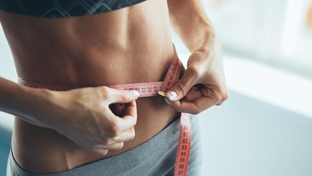 甩掉「內臟脂肪」原來只要15天!踮腳操、沒椅背的椅子...醫生教你15招,不花錢消滅內臟脂肪