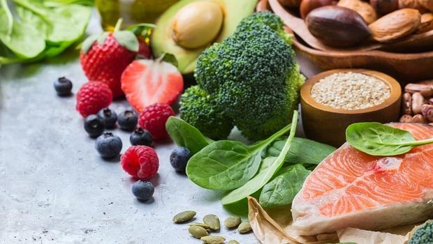 21天內替你抗發炎、降三高、減肥!美心臟外科醫師公開「修復身體菜單」:不只吃三餐,更要吃點心